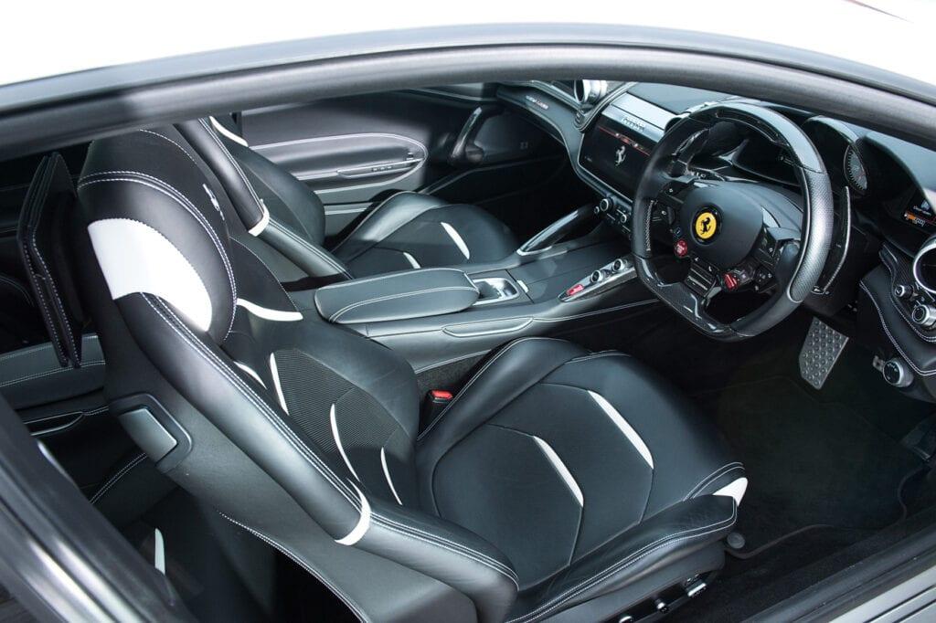 015_FerrariGTC4Lusso_Dec2020CarIconics_D4J0809