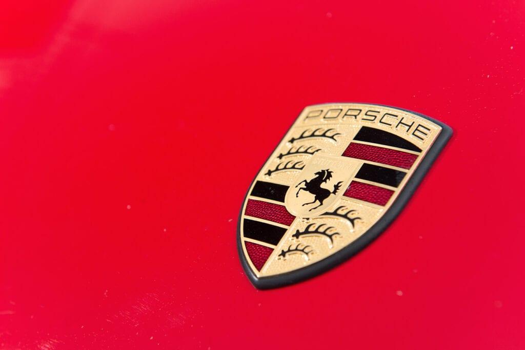 008_Porsche964C2_Dec2020CarIconics_D4J0758