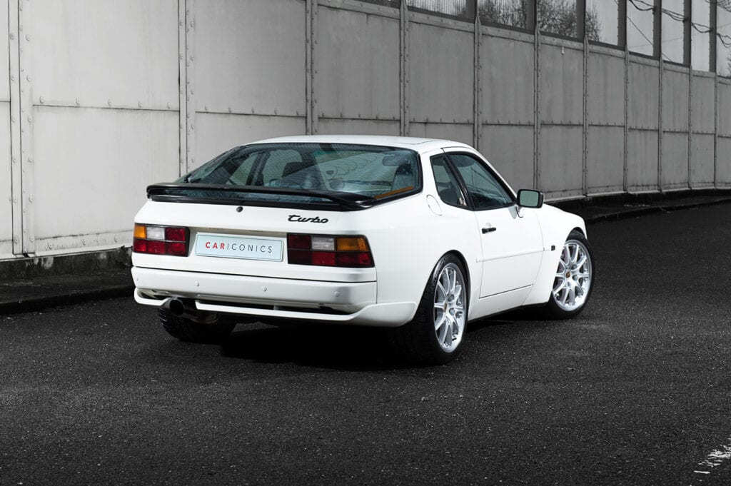 01_CarIconics_Porsche044TurboFeb21_D4J1713
