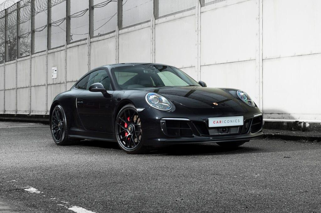 02_CarIconics_Porsche911GTS_Feb21_D4J1649LR