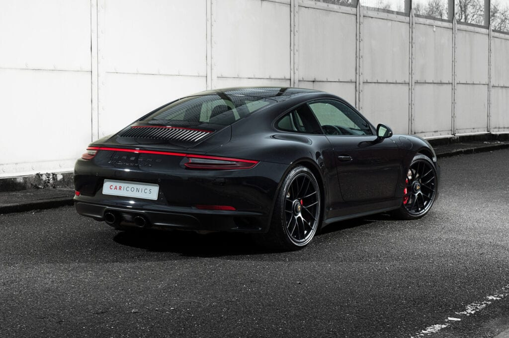 05_CarIconics_Porsche911GTS_Feb21_D4J1660LR