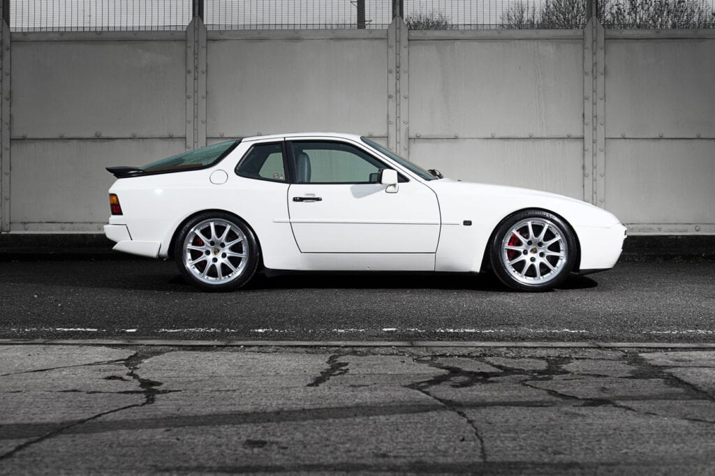 06_CarIconics_Porsche044TurboFeb21_D4J1754