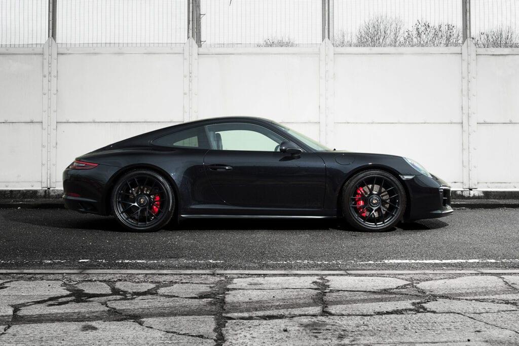 06_CarIconics_Porsche911GTS_Feb21_D4J1655LR