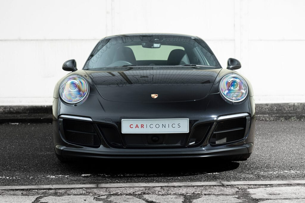 08_CarIconics_Porsche911GTS_Feb21_D4J1708LR