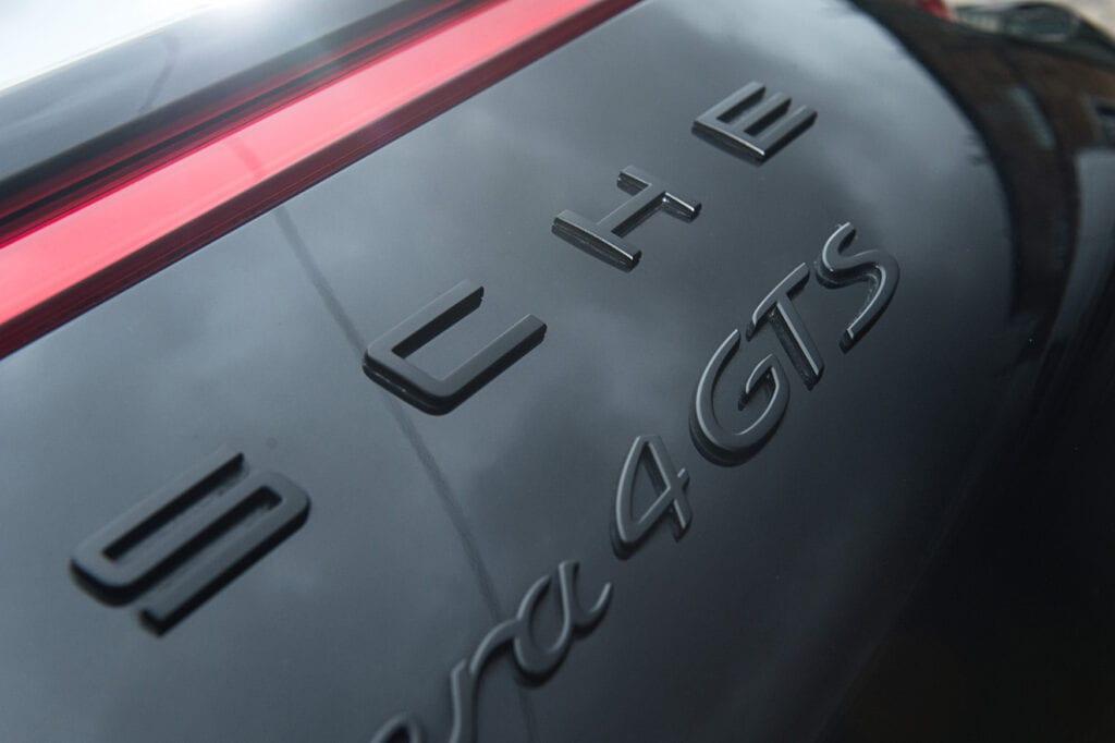 09_CarIconics_Porsche911GTS_Feb21_D4J1663LR